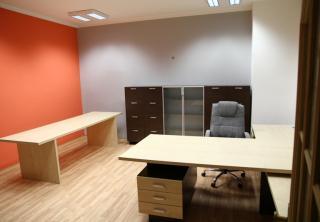 Kancelář 4: Javor / ořech