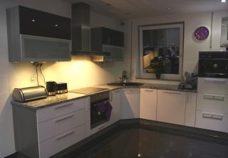 Kuchyň 2: Bílý lesk