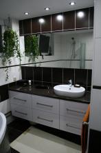 Koupelna: Bílý lesk / wenge
