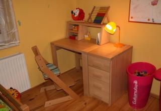 Dětský stůl - masiv buk