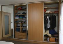 Vestavná skřín v ložnici2