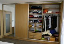 Vestavná skřín v ložnici5