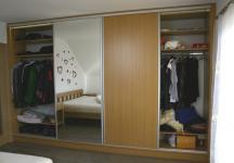 Vestavná skřín v ložnici3