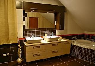 Koupelna: masiv Jasan / Wenge