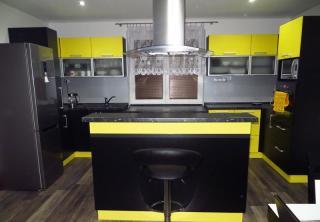 Kuchyň 20: Černo / Žlutá