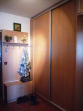 Botníková stěna s posuvnými dveřmi 2 - Buk