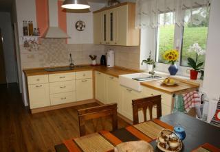 Kuchyň 7: Vanilka / přírodní buk